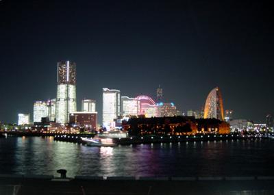 横浜・みなとみらいの全館点灯
