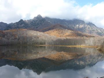 鏡池からの戸隠山