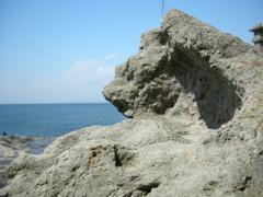 21.岩の波