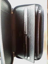 ヴィトンエピ財布