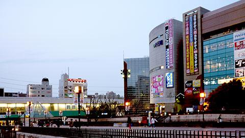 小田急多摩センター駅前