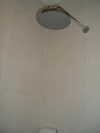 プラザプレミアムラウンジの仮眠室とシャワー