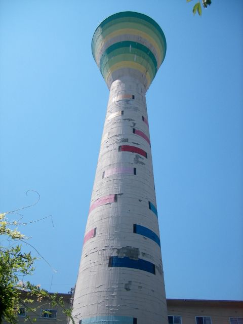 大阪府営門真住宅の給水塔2